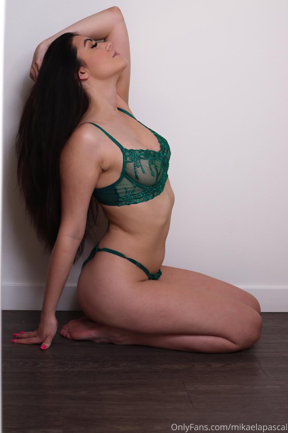 Mikaela Pascal Green Lingerie Onlyfans Set Leaked 0003