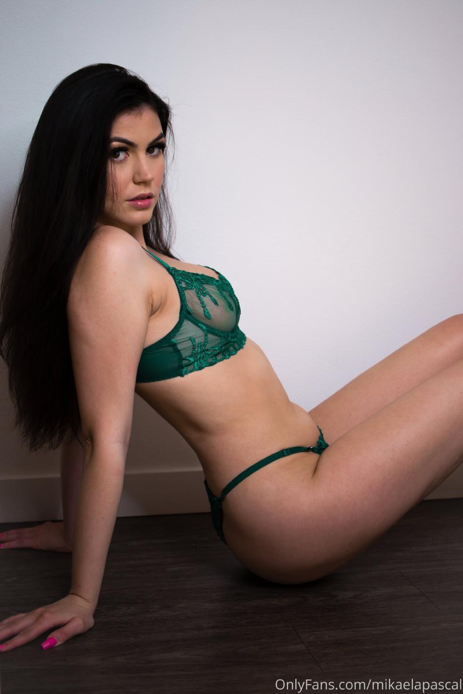 Mikaela Pascal Green Lingerie Onlyfans Set Leaked 0004