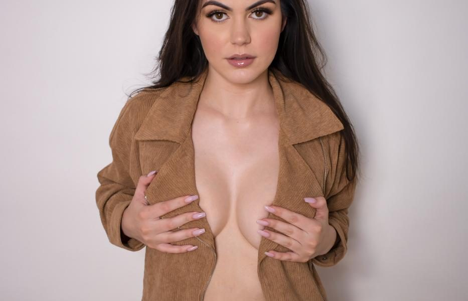 Mikaela Pascal Topless Onlyfans Set Leaked 0002