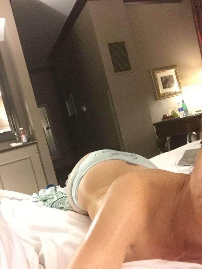 Natasha Leggero Nude Photo 0007