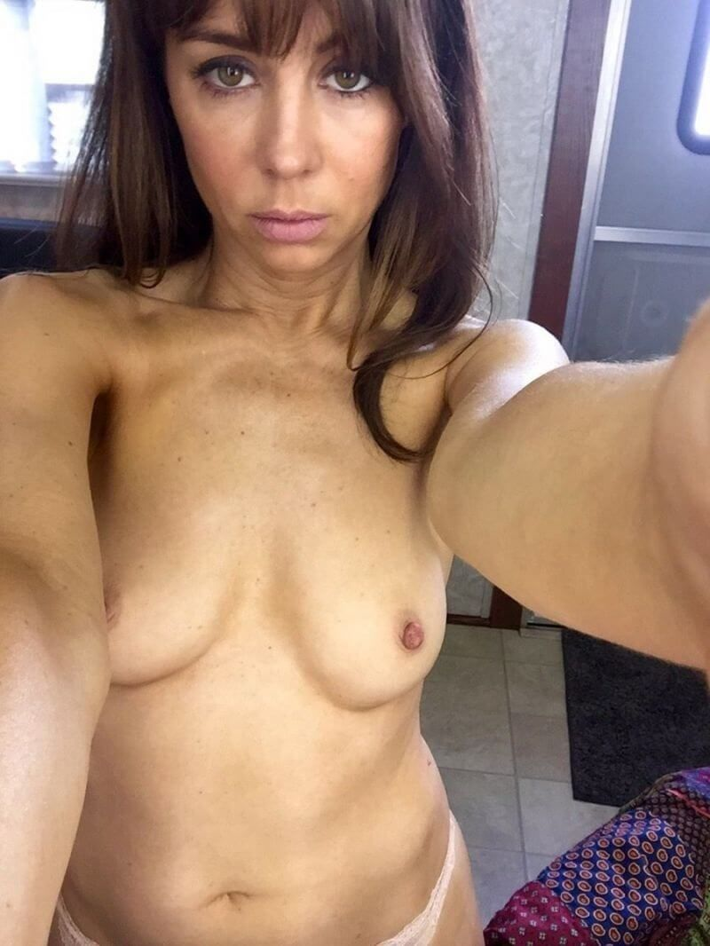 Natasha Leggero Nude Photo 0010
