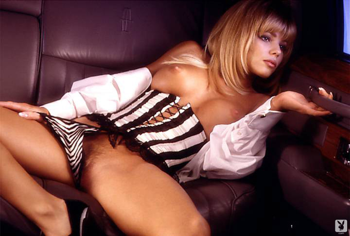 Playmate Of The Month September 1995 Donna D'errico 0009