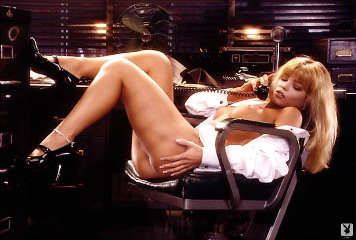 Playmate Of The Month September 1995 Donna D'errico 0011
