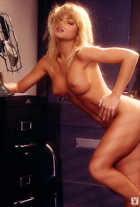 Playmate Of The Month September 1995 Donna D'errico 0014