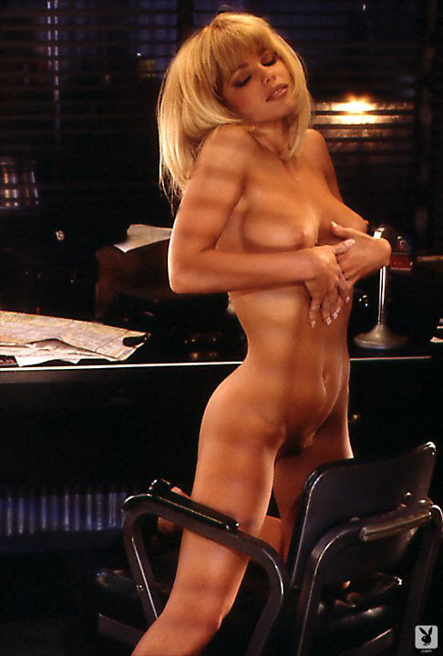 Playmate Of The Month September 1995 Donna D'errico 0016