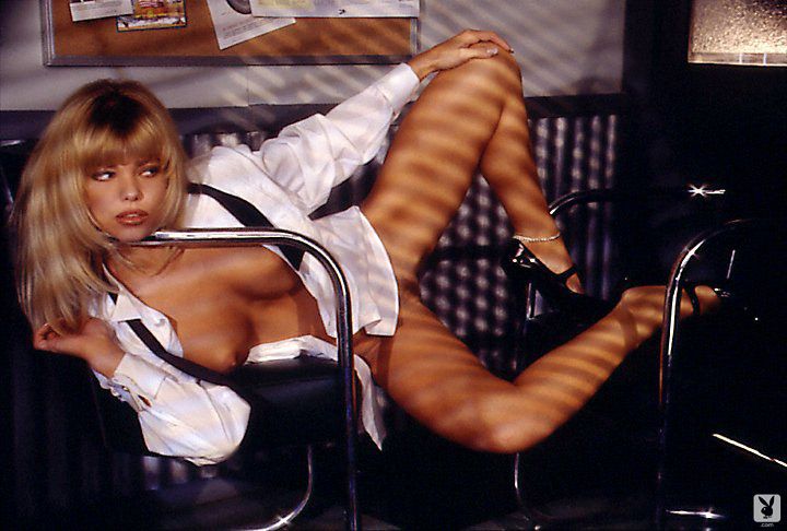 Playmate Of The Month September 1995 Donna D'errico 0017