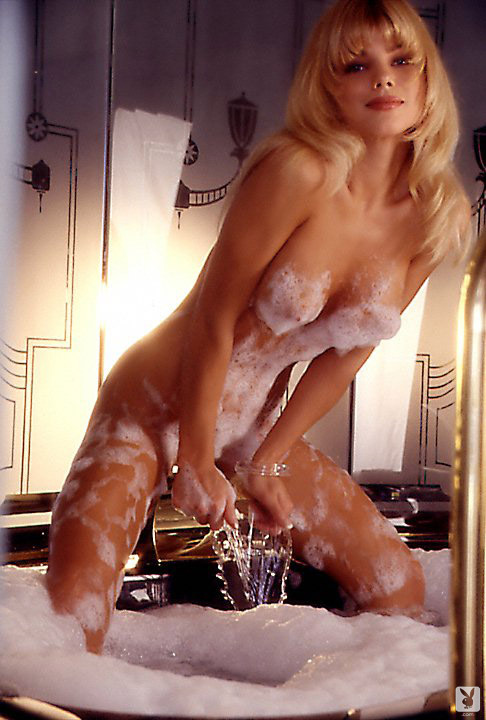Playmate Of The Month September 1995 Donna D'errico 0022