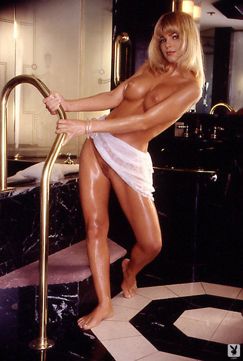 Playmate Of The Month September 1995 Donna D'errico 0023