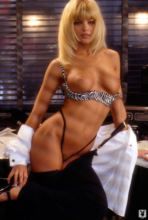 Playmate Of The Month September 1995 Donna D'errico 0029