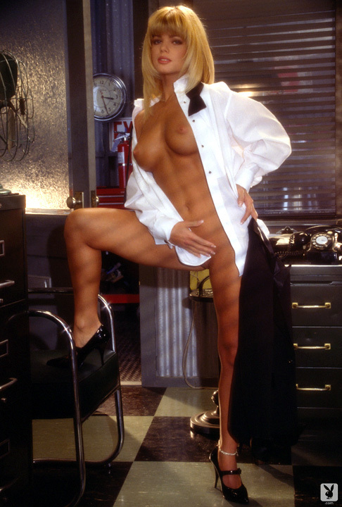 Playmate Of The Month September 1995 Donna D'errico 0034