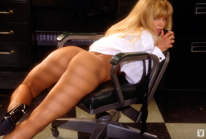 Playmate Of The Month September 1995 Donna D'errico 0035