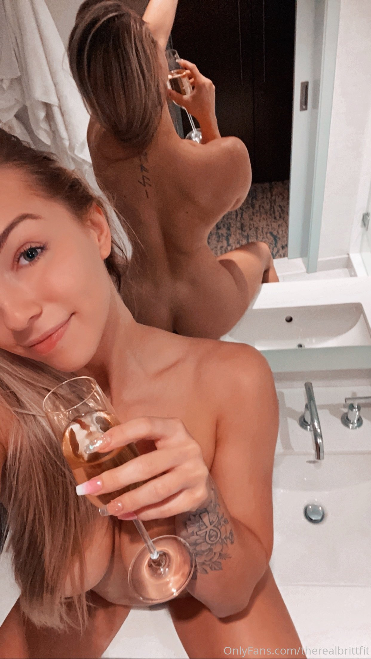 Therealbrittfit Nude Onlyfans Leaked 0012