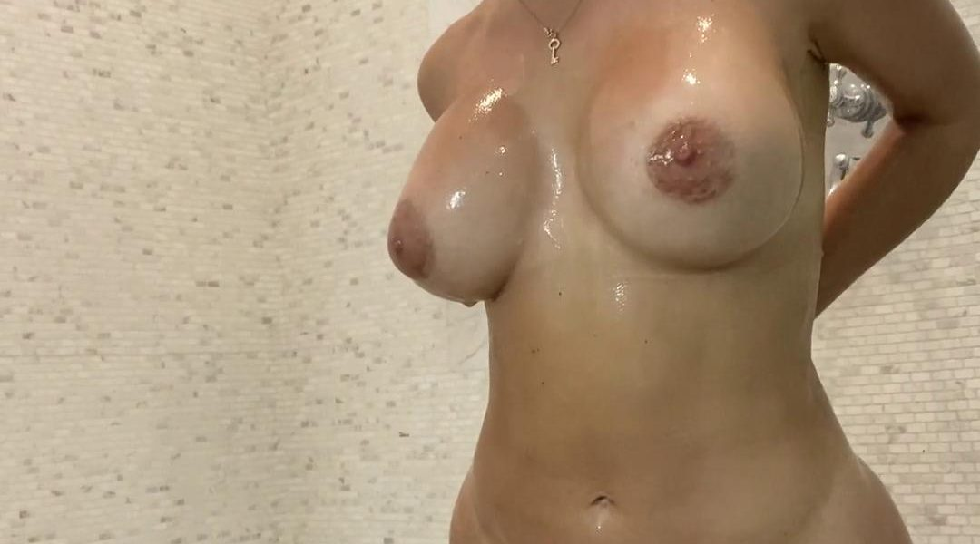 Lena The Plug Nude Shower Onlyfans Video Leaked