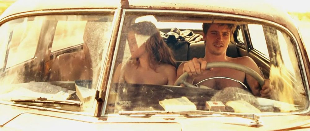 0303051210632 136 Kristen Stewart On The Road 4 3 Thefappeni