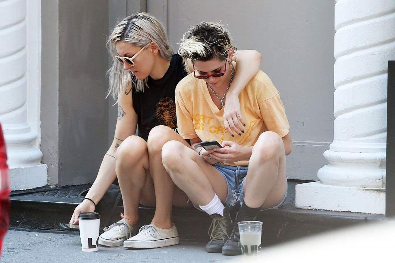 0303051210632 208 Kristen Stewart Dylan Meyer Sexy Hot Lesbi