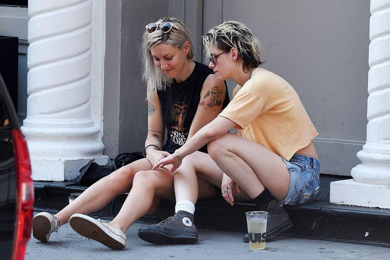 0303051210632 214 Kristen Stewart Dylan Meyer Sexy Hot Lesbi