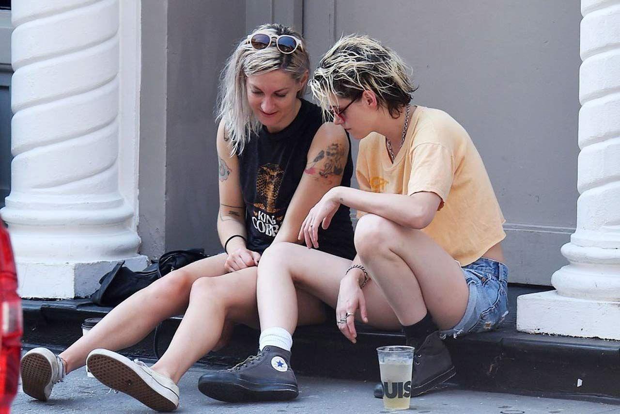 0303051210632 215 Kristen Stewart Dylan Meyer Sexy Hot Lesbi