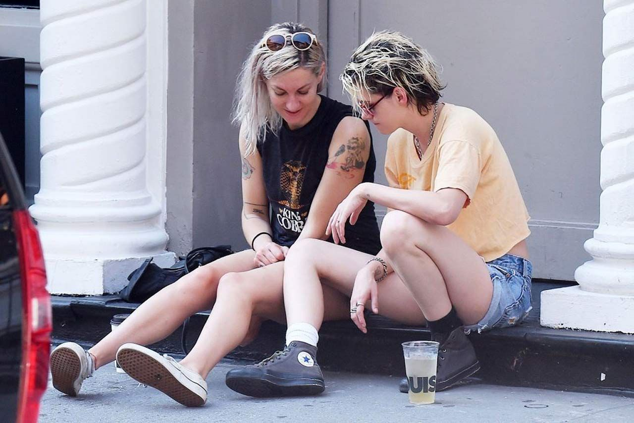 0303051210632 216 Kristen Stewart Dylan Meyer Sexy Hot Lesbi
