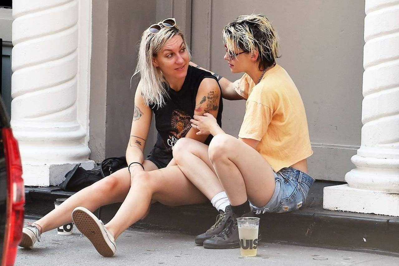 0303051210632 220 Kristen Stewart Dylan Meyer Sexy Hot Lesbi