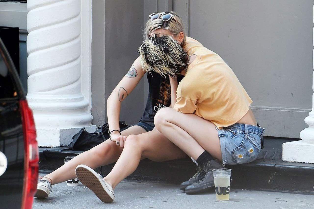 0303051210632 223 Kristen Stewart Dylan Meyer Sexy Hot Lesbi