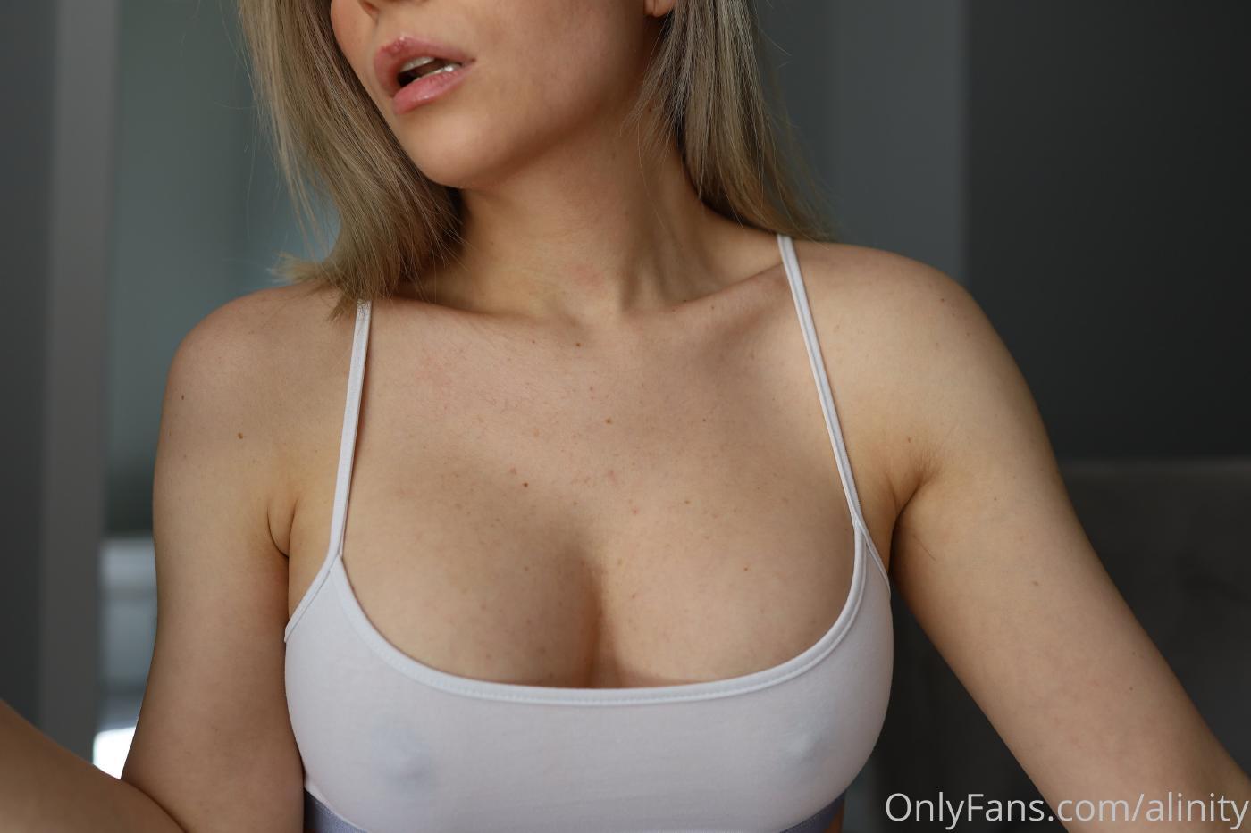 Alinity Nipple Tease Onlyfans Leaked 0003