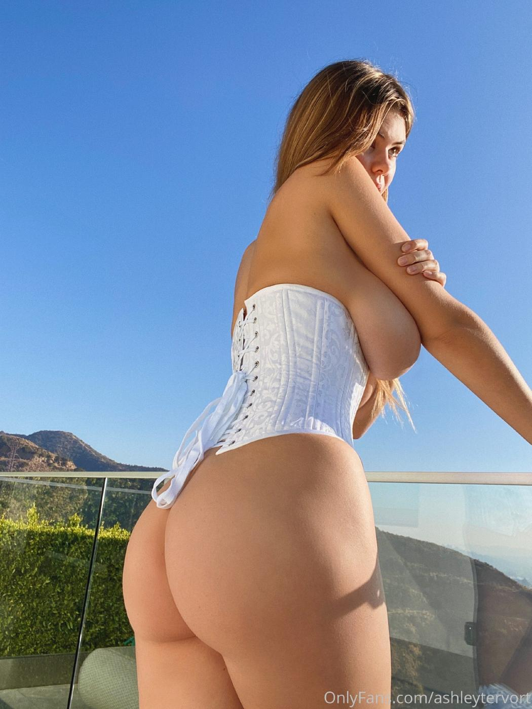 Ashley Tervort Topless Corset Onlyfans Set Leaked 0007