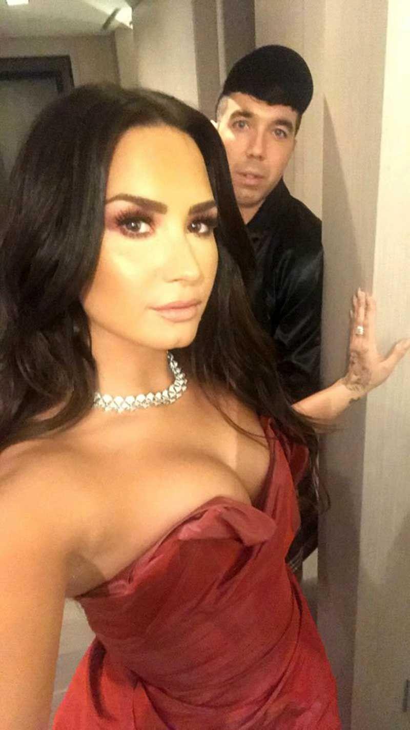 Demi Lovato Nude & Sexy 0080