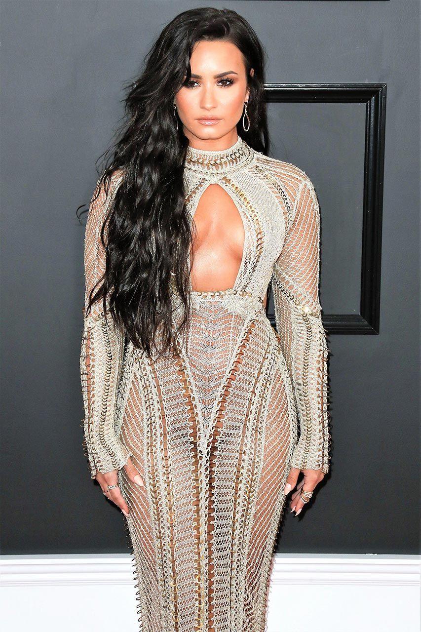 Demi Lovato Nude & Sexy 0182