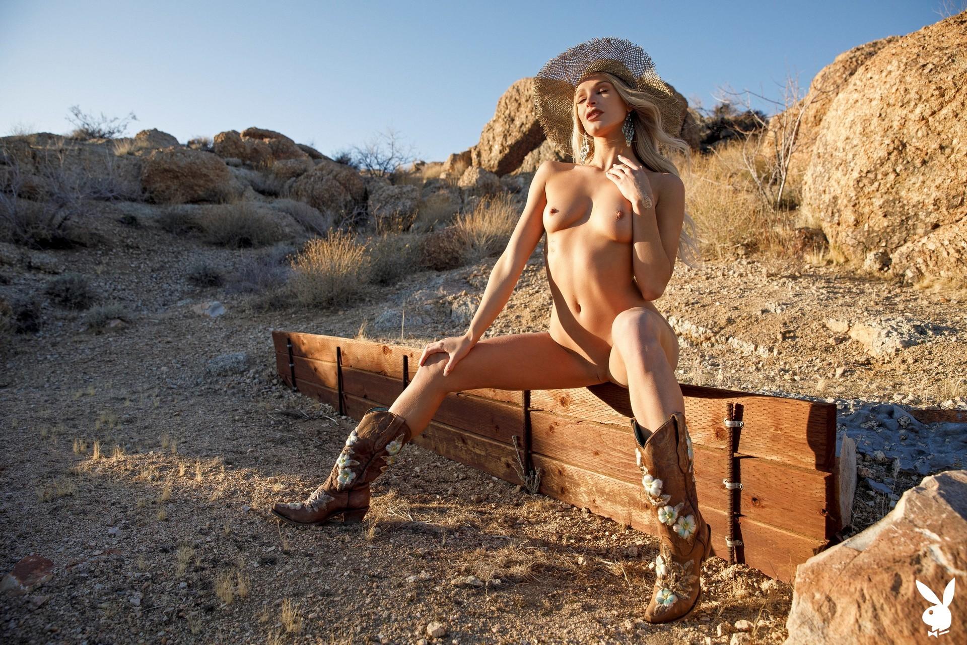 Emma Hix In Desert Sunset Playboy Plus (18)