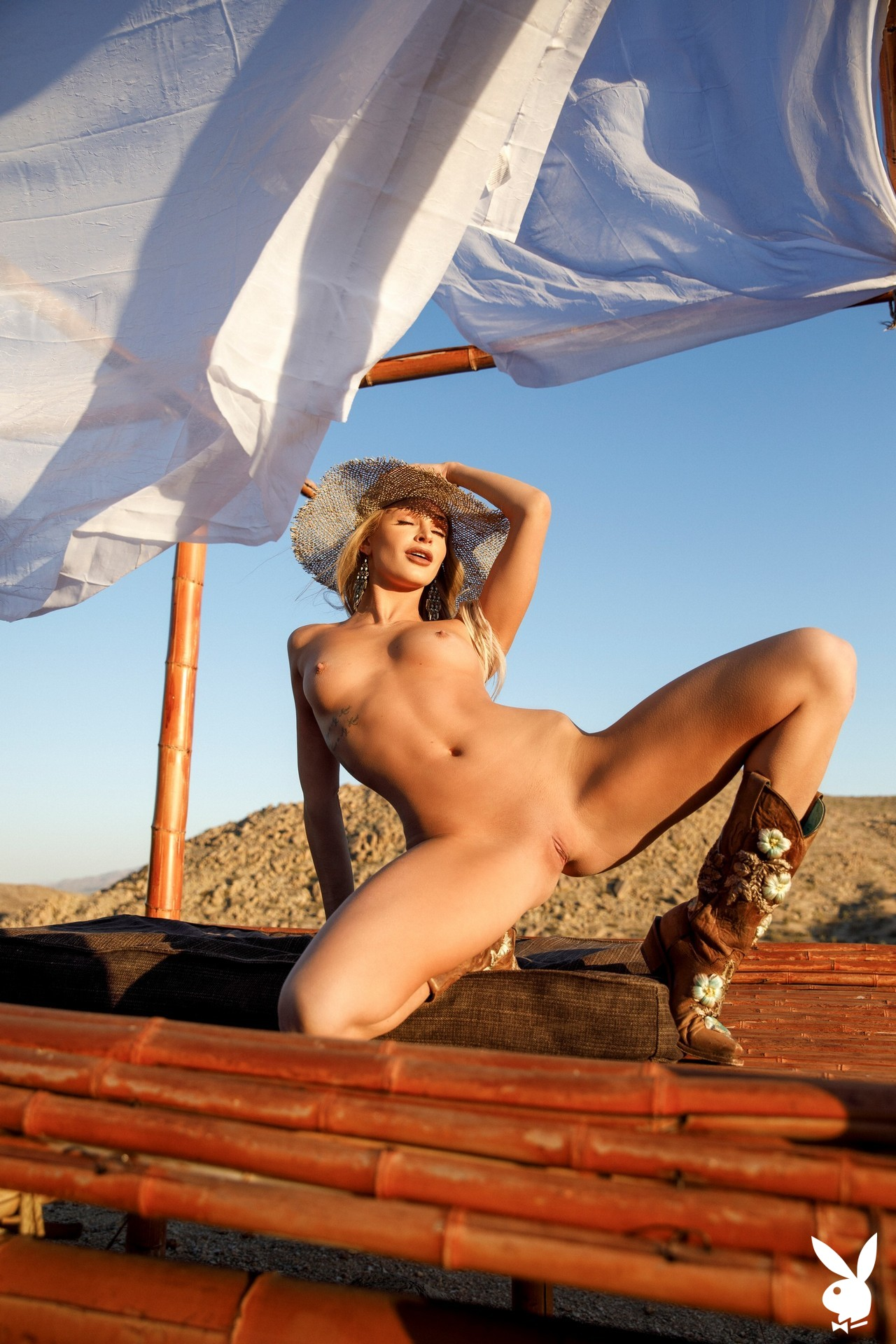 Emma Hix In Desert Sunset Playboy Plus (41)
