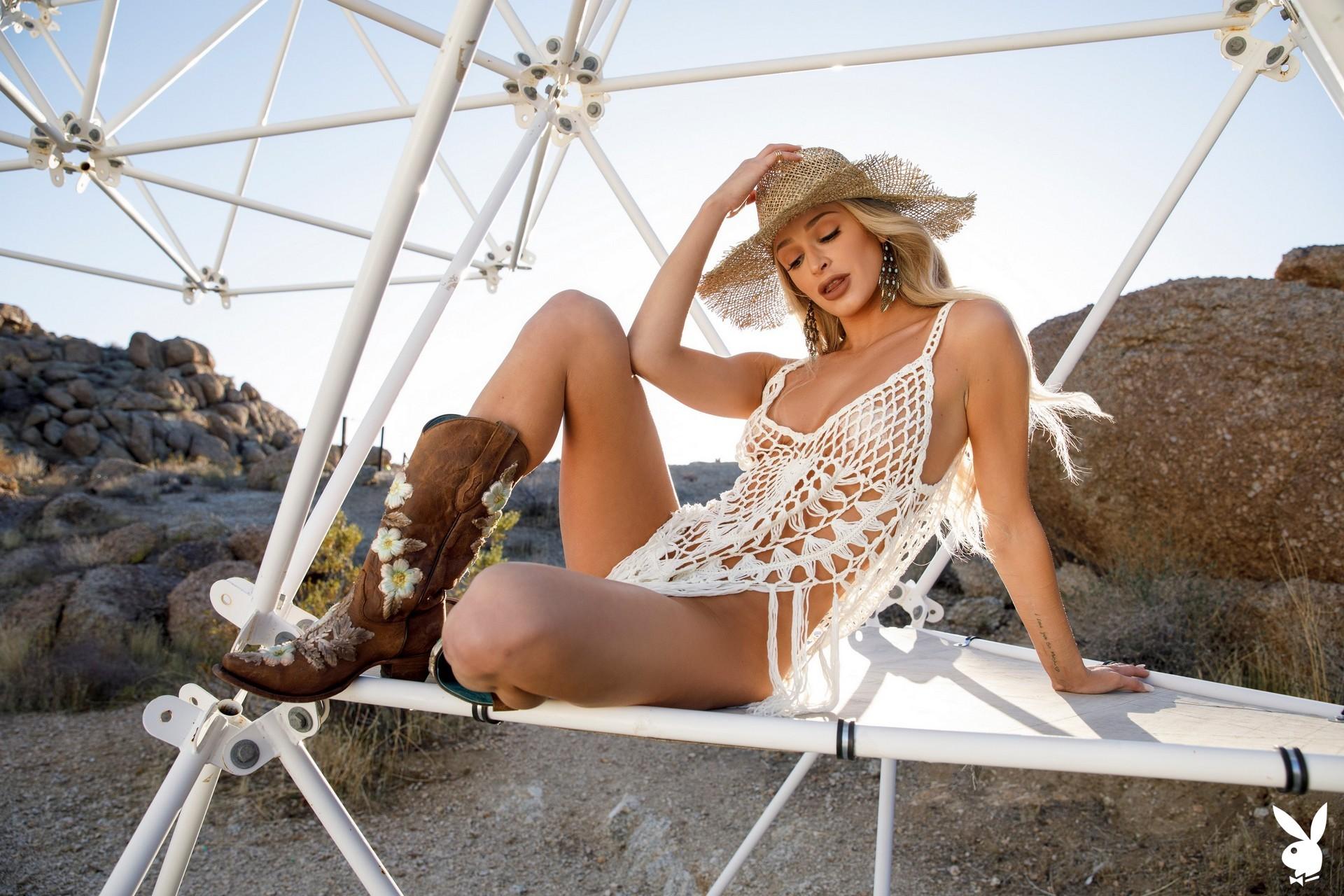 Emma Hix In Desert Sunset Playboy Plus (8)