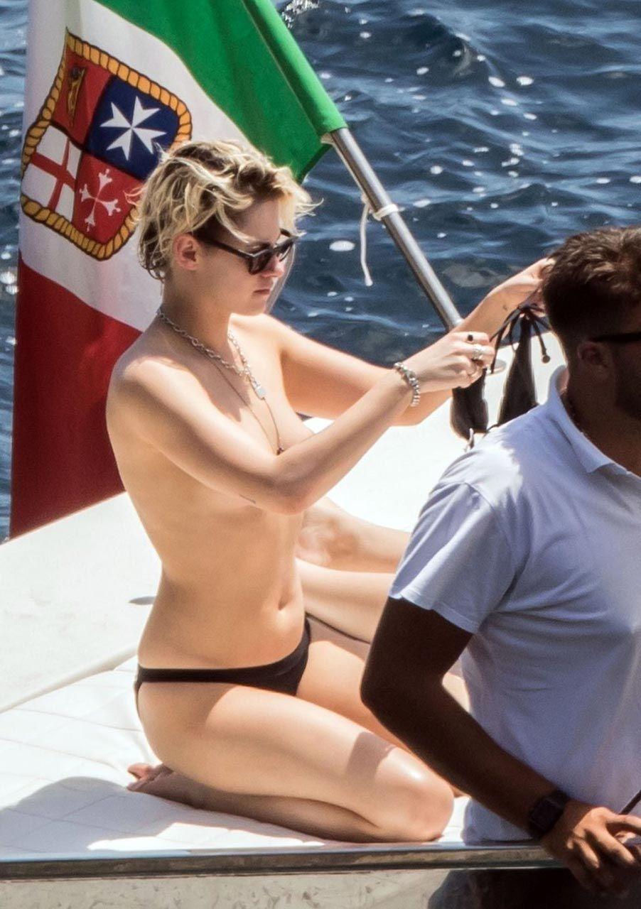 Kristen Stewart Nude Sexy Thefappeningblog Com 10 1024x1453