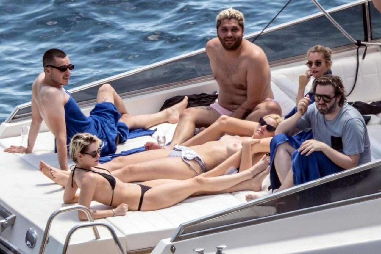 Kristen Stewart Nude Sexy Thefappeningblog Com 16 1024x683 T