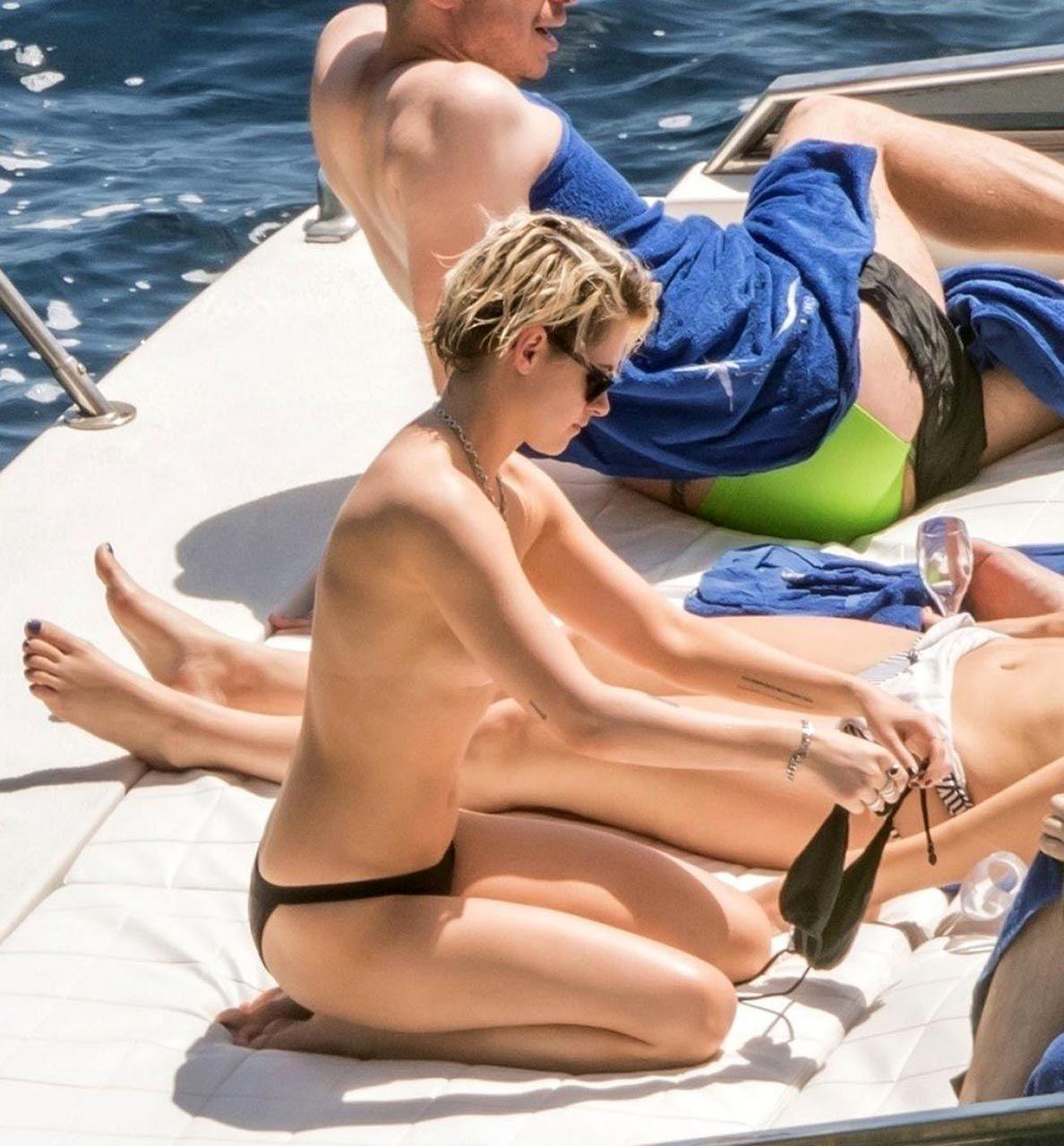 Kristen Stewart Nude Sexy Thefappeningblog Com 8 1024x1103 T