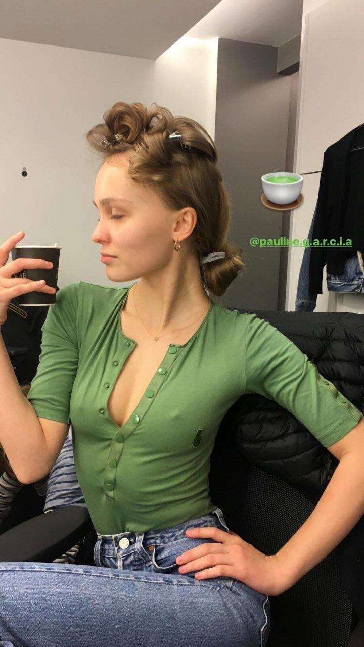 Lily Rose Depp Nude, Sexy And Private Leaked 0039