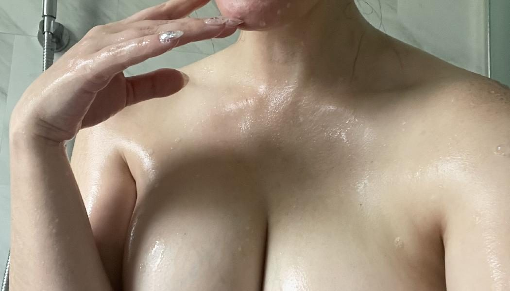 Meg Turney Extra Spicy Shower Candid Onlyfans Set Leaked 0003
