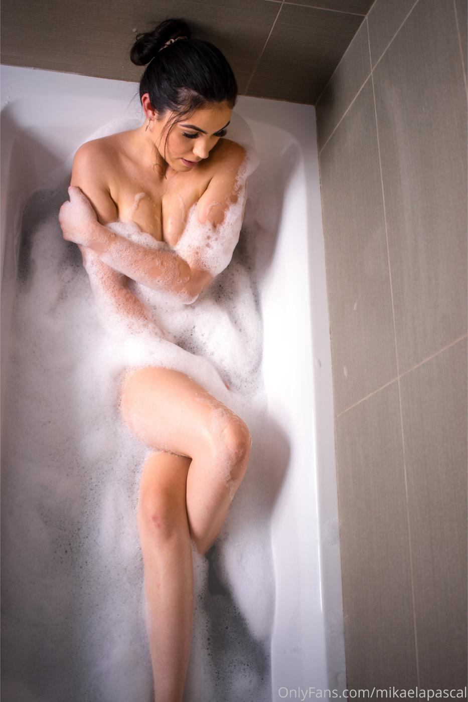 Mikaela Pascal Nude In Bath Onlyfans Set Leaked 0011