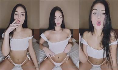 Pawla Nude Smoking Tease Video Leaked