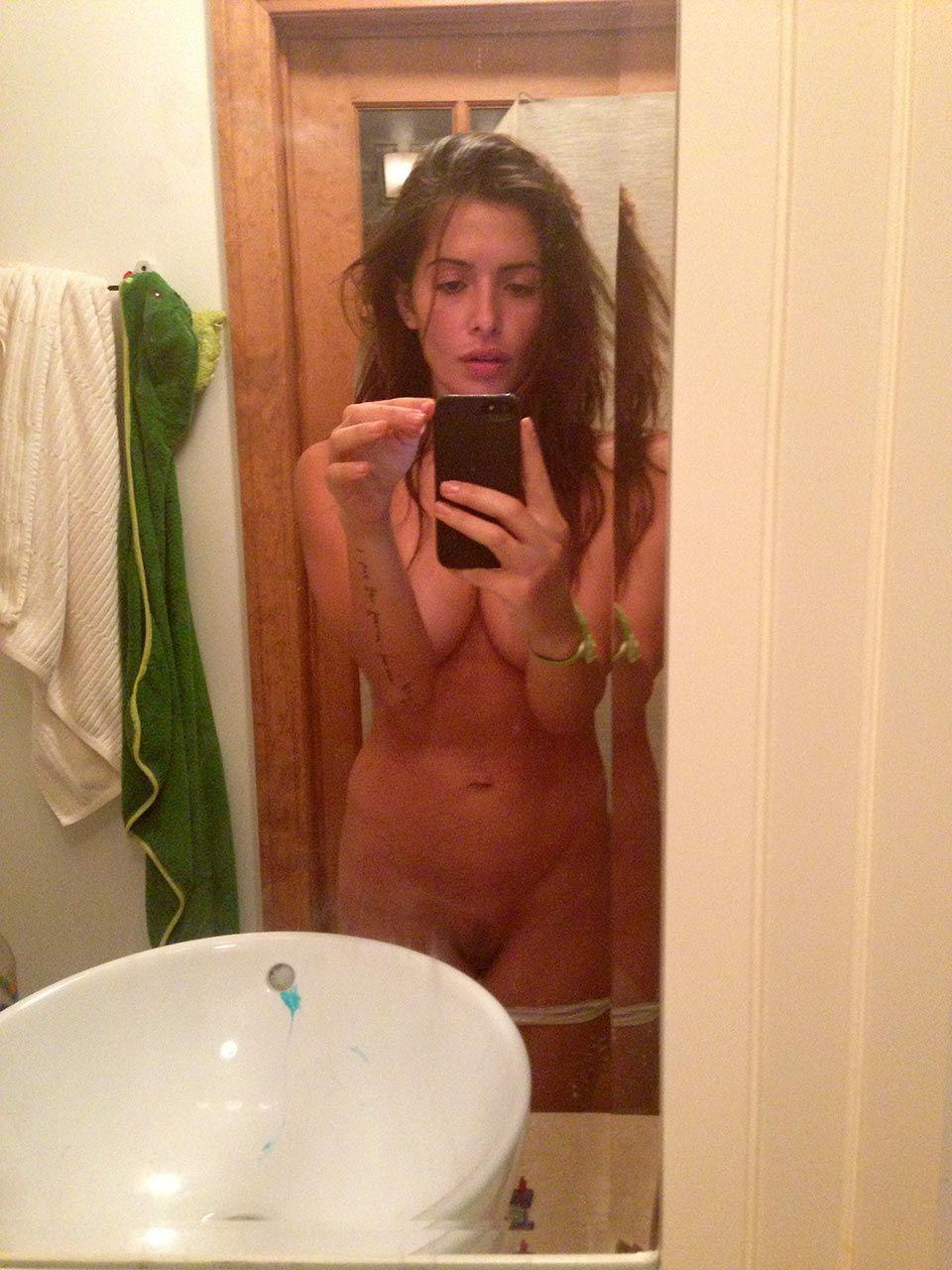 0419194836656 000 15 Sarah Shahi Nude Leaked Thefappeningblo