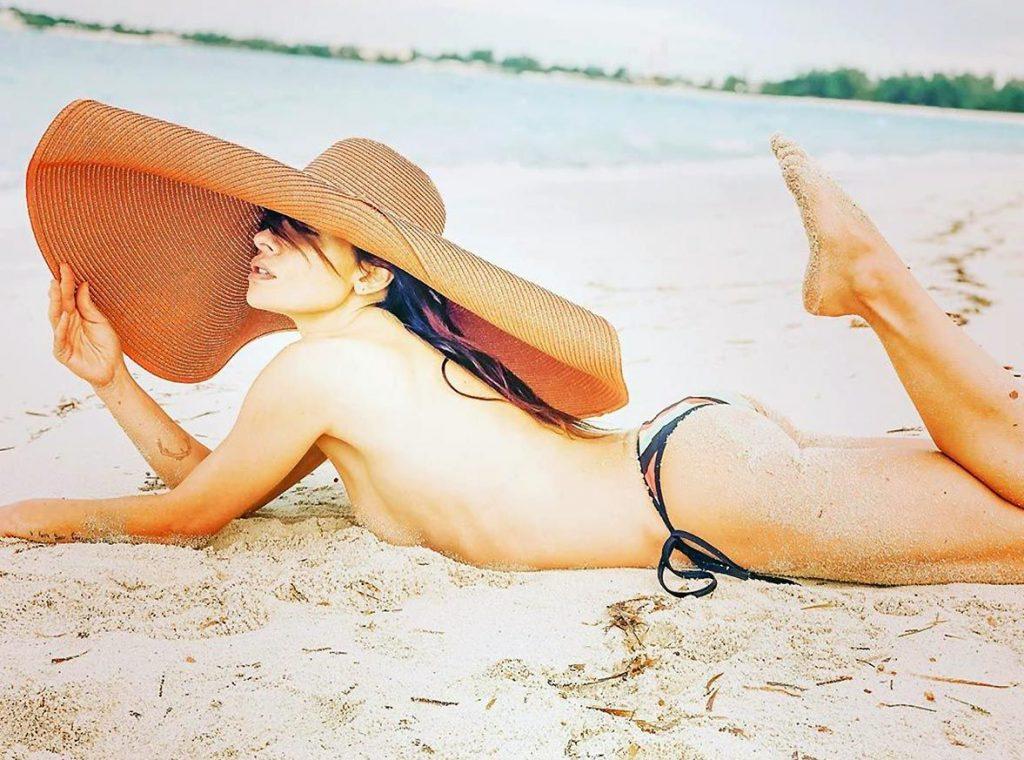 0419194836656 018 Sarah Shahi Nude Topless Tits Ass Pussy Se