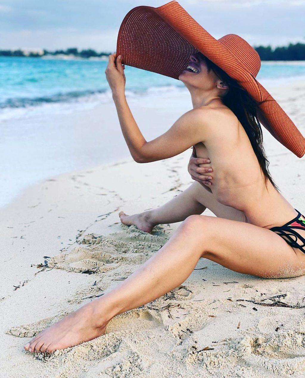 0419194836656 020 Sarah Shahi Nude Topless Tits Ass Pussy Se