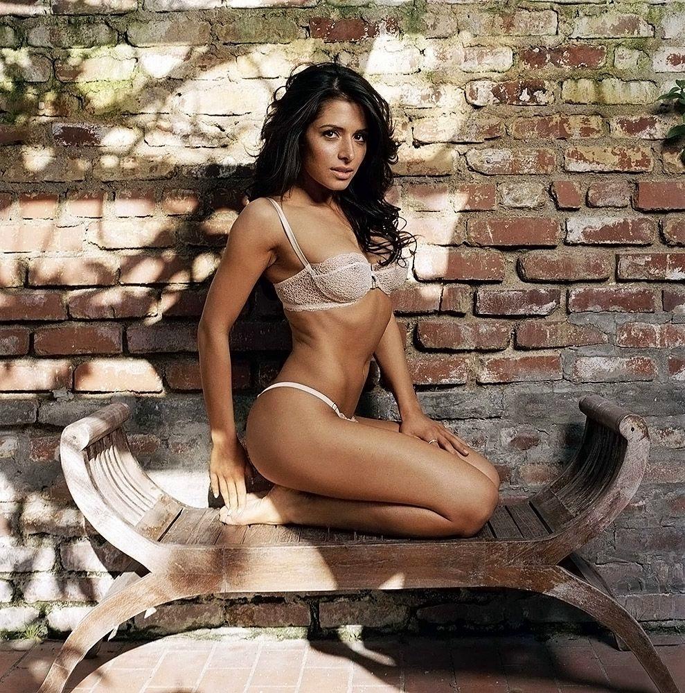 0419194836656 050 Sarah Shahi Nude Naked Topless 11 Thefappe