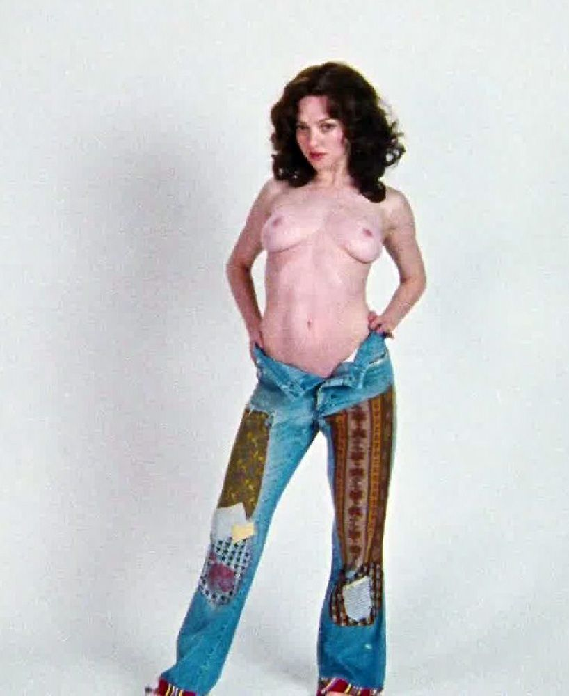 Amanda Seyfried Nude & Sexy 0086