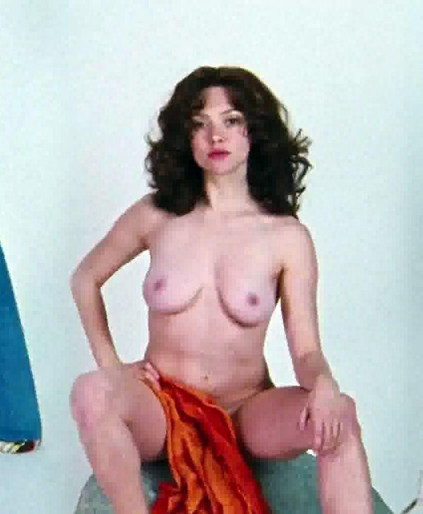 Amanda Seyfried Nude & Sexy 0088