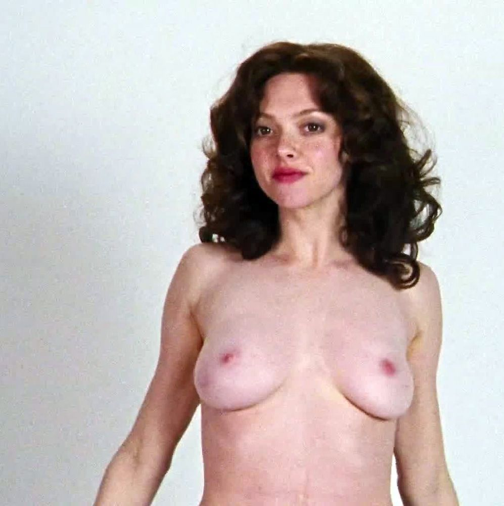 Amanda Seyfried Nude & Sexy 0089
