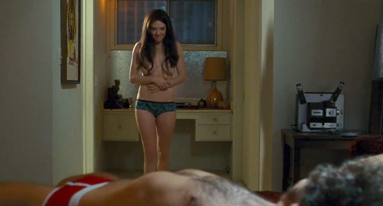 Amanda Seyfried Nude & Sexy 0092