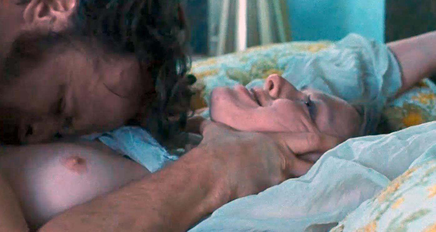 Amanda Seyfried Nude & Sexy 0105