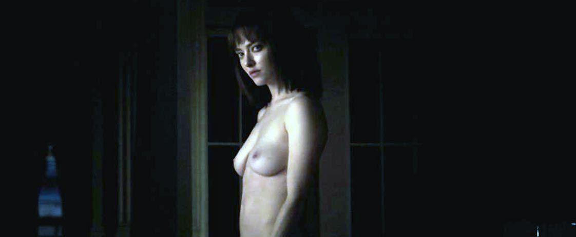 Amanda Seyfried Nude & Sexy 0121