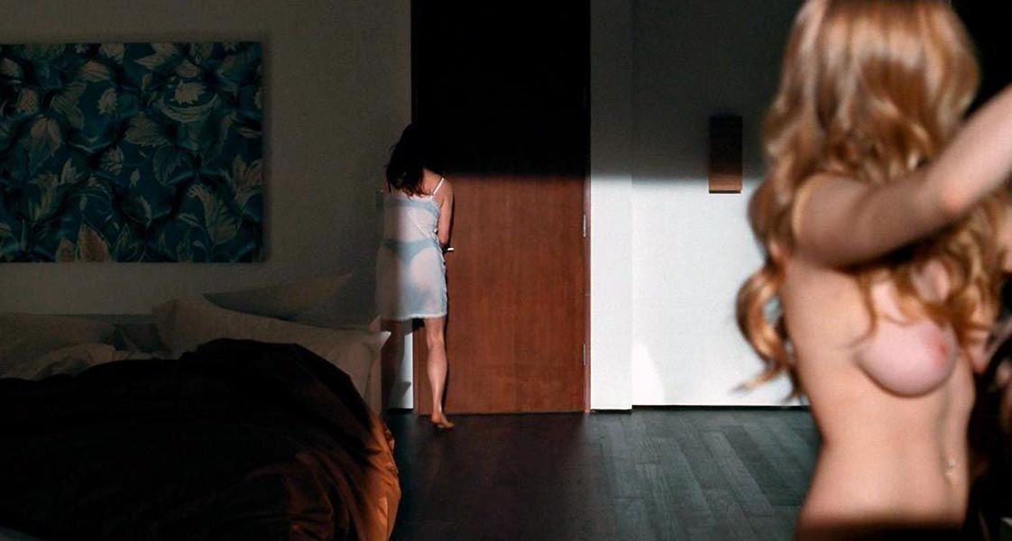 Amanda Seyfried Nude & Sexy 0139