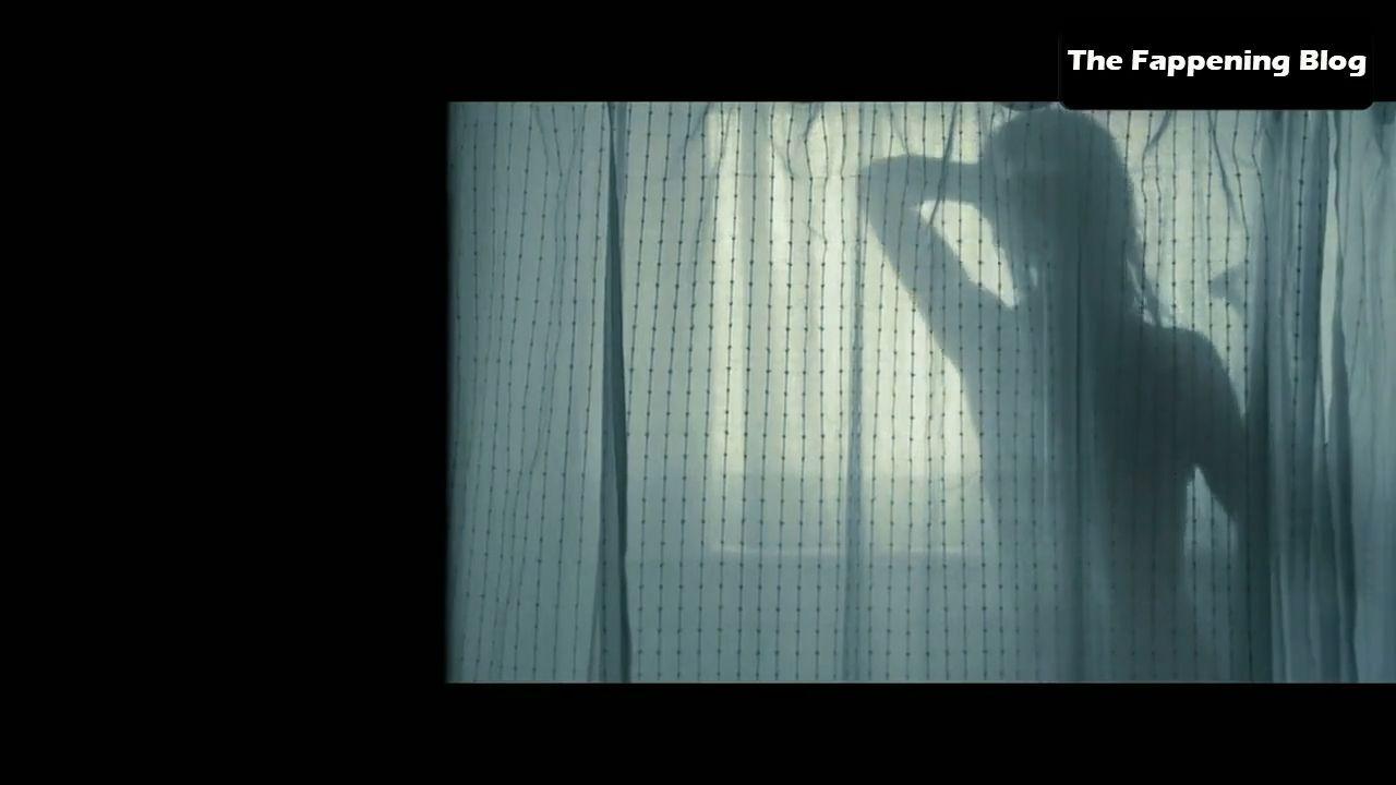 Amanda Seyfried Nude & Sexy 0163